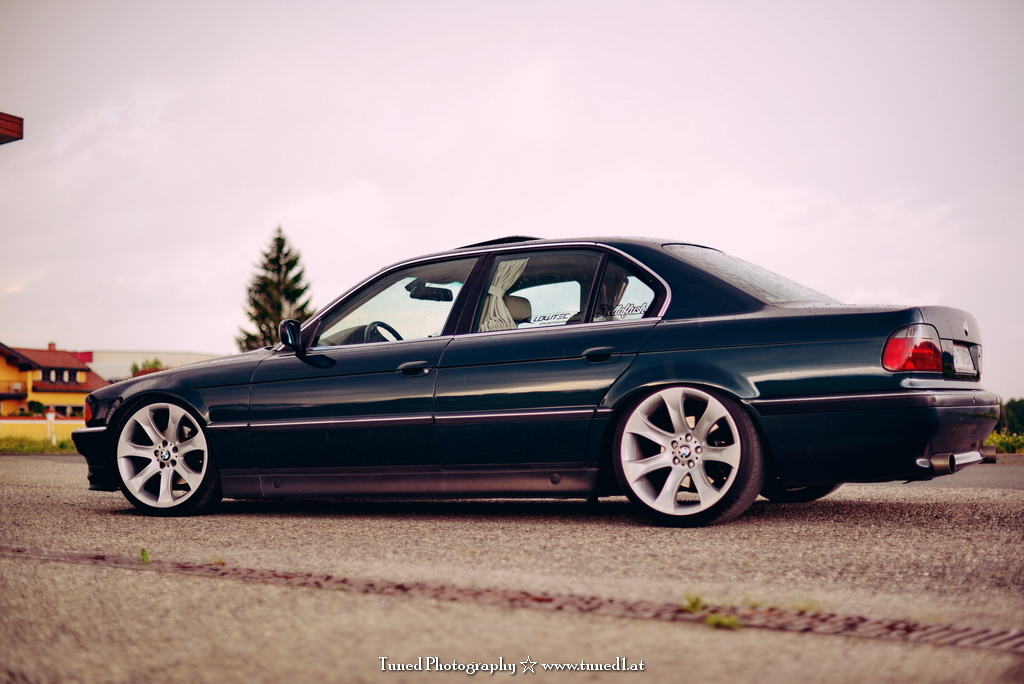 my static e38 with lowtec coilovers and 20 x5 wheels. Black Bedroom Furniture Sets. Home Design Ideas