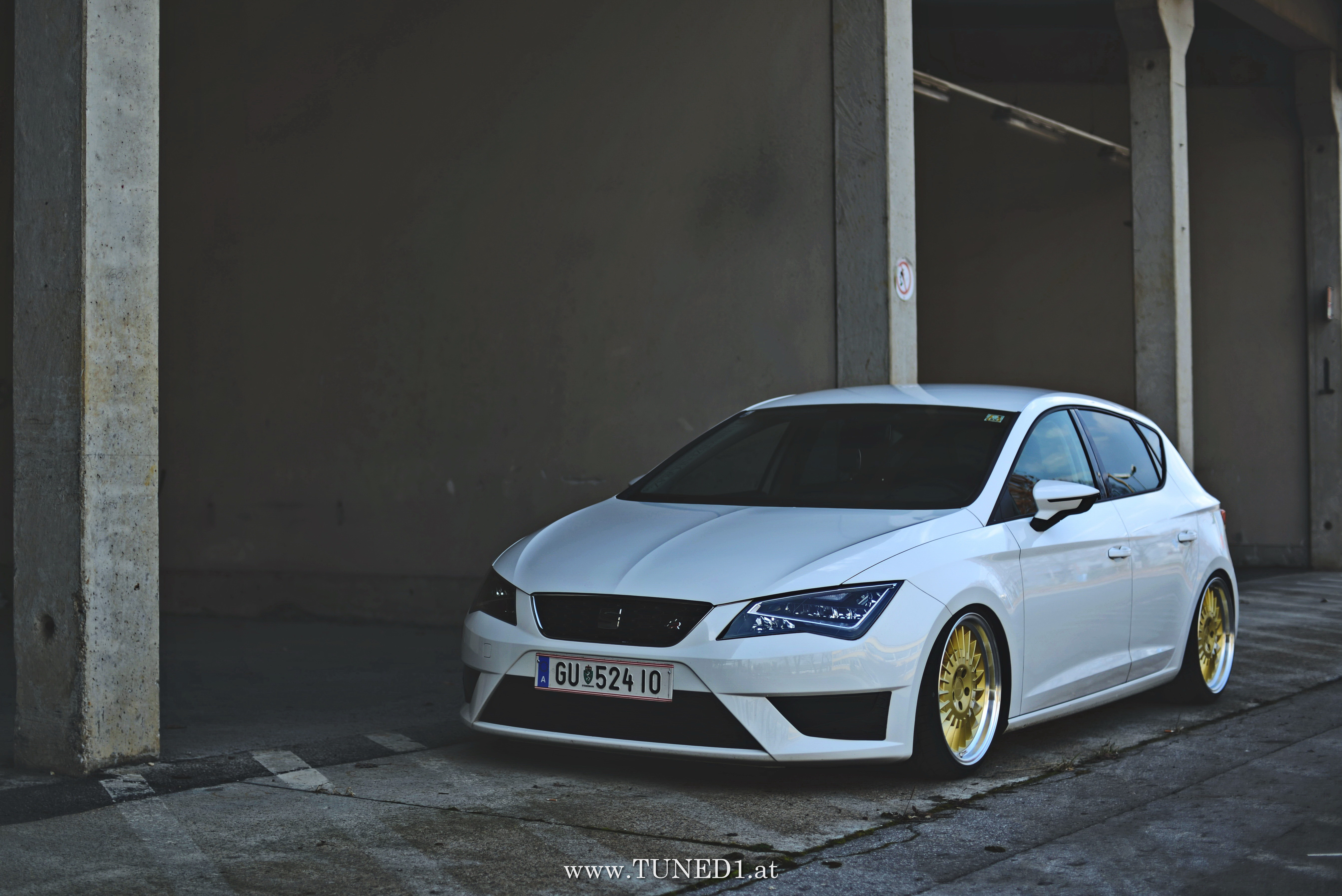 Seat Leon 5f Drive Hard On New Wheels Www Tuned1 At